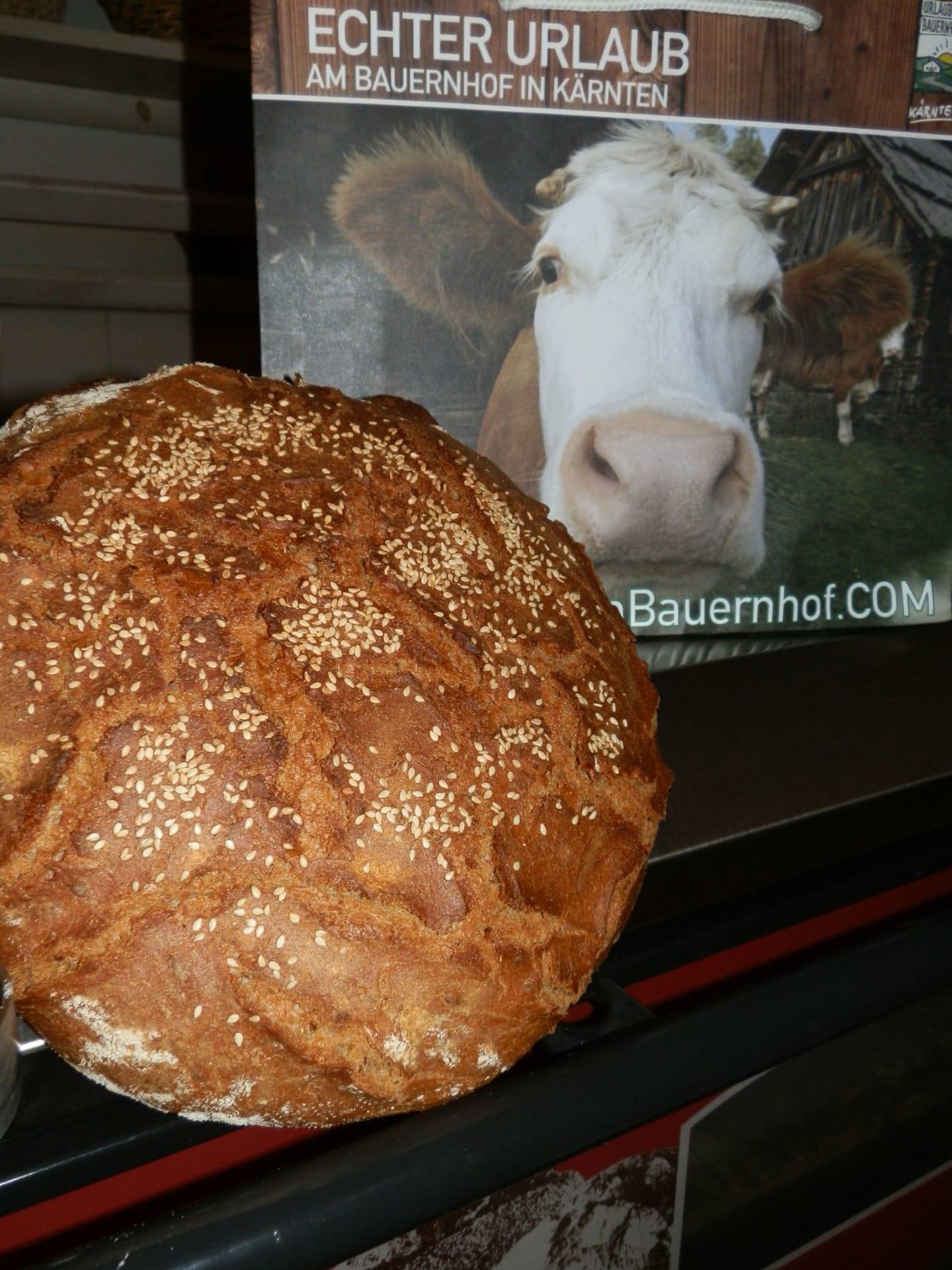 Selbsgebackenes Brot