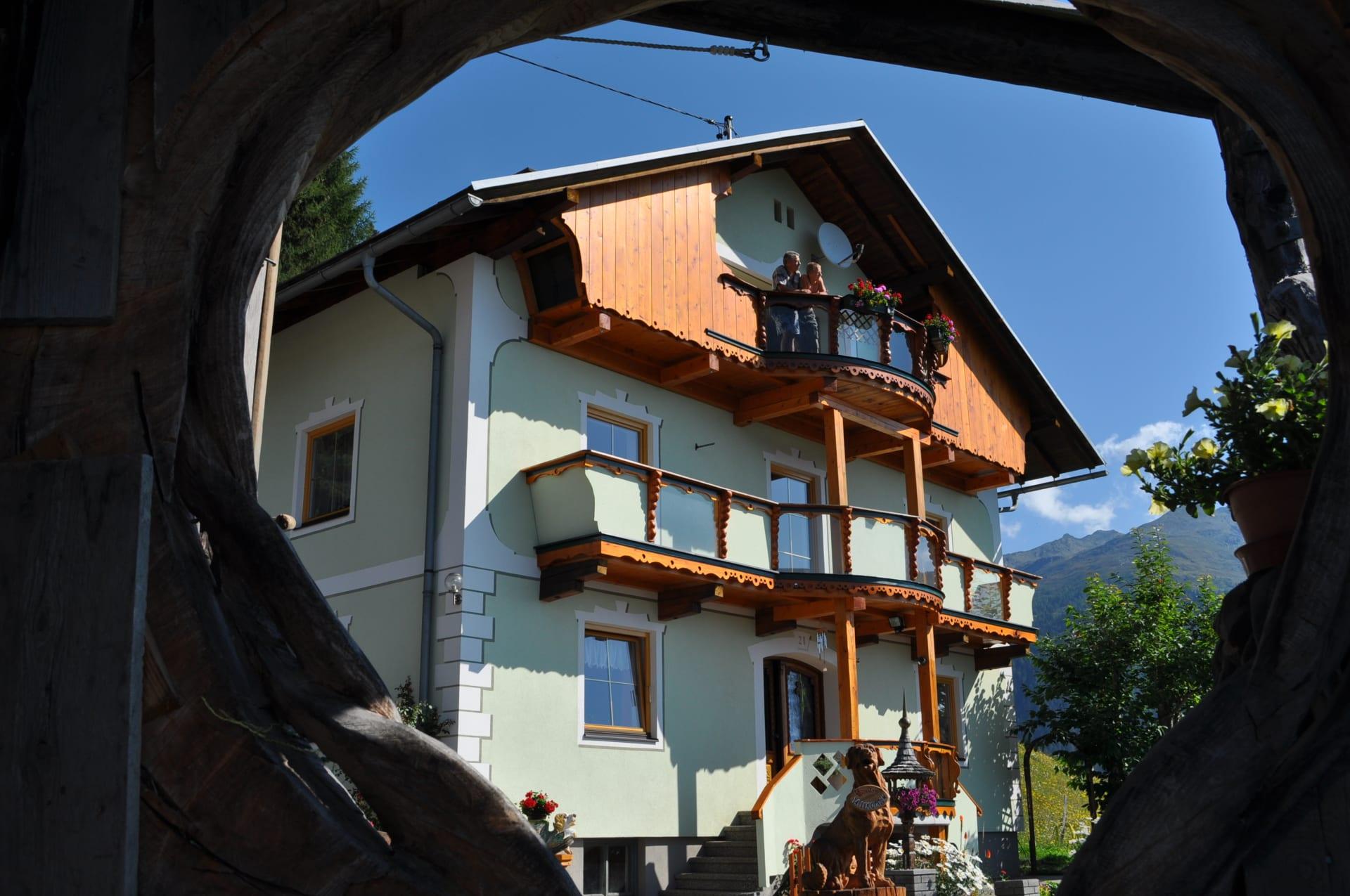 Ferienwohnung mit Panoramabalkon befindet sich im obersten Stock