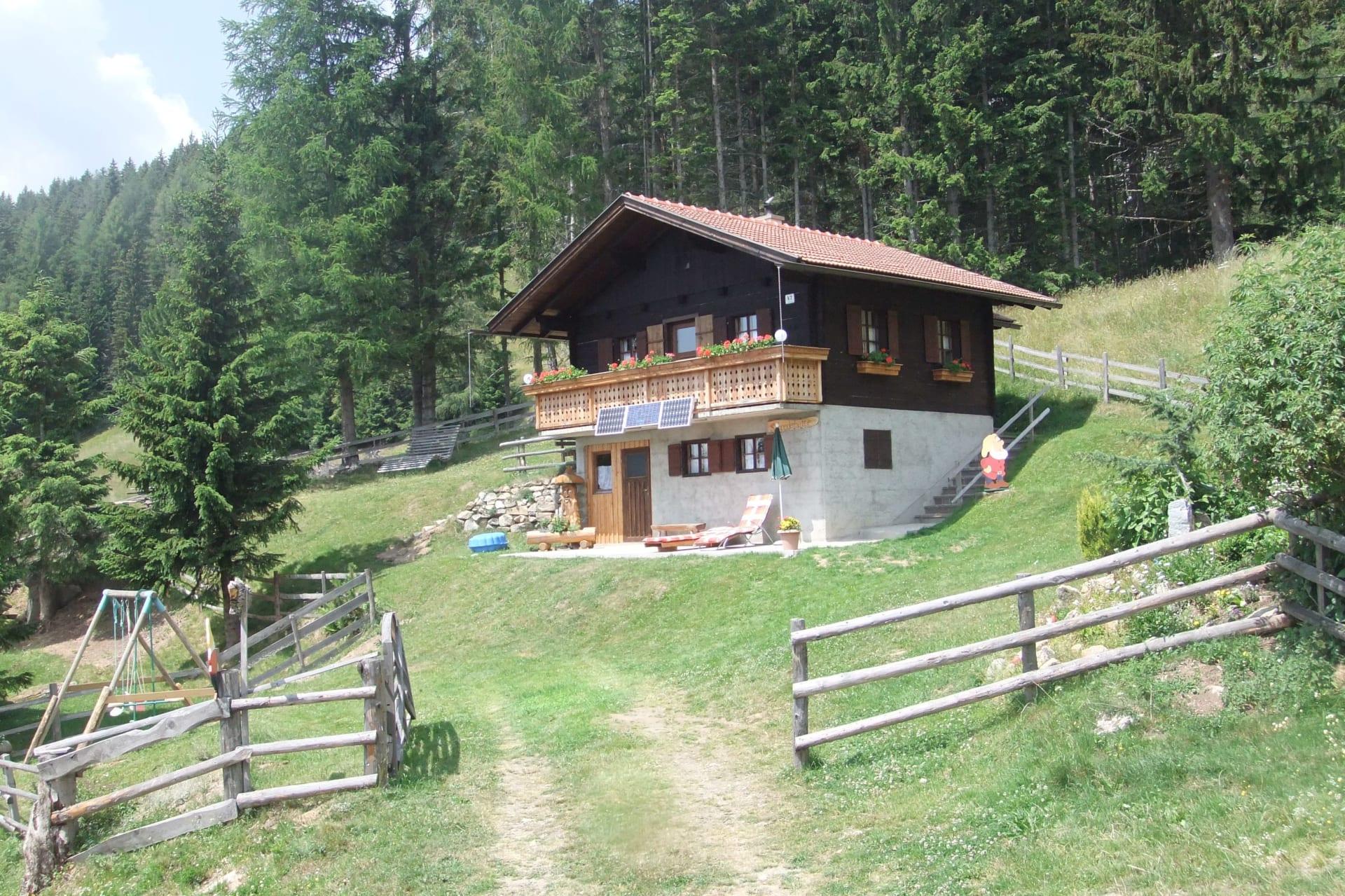 """Ausruhen, Relaxen, Entspannen und neue Energien tanken auf  der  """"Schneiderhütte"""" in den schönen Kärntner Nockbergen."""