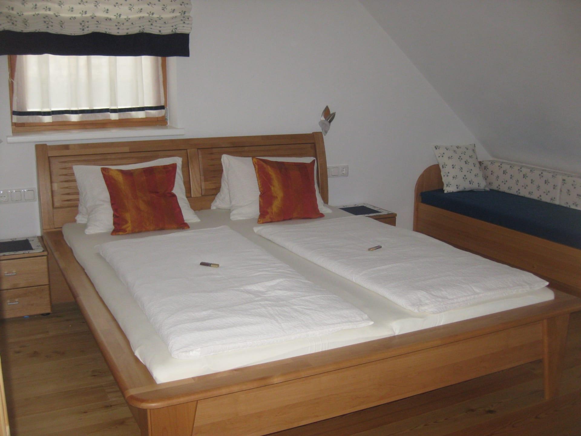 """Schlafzimmer FeWo """"Morgensonne"""""""