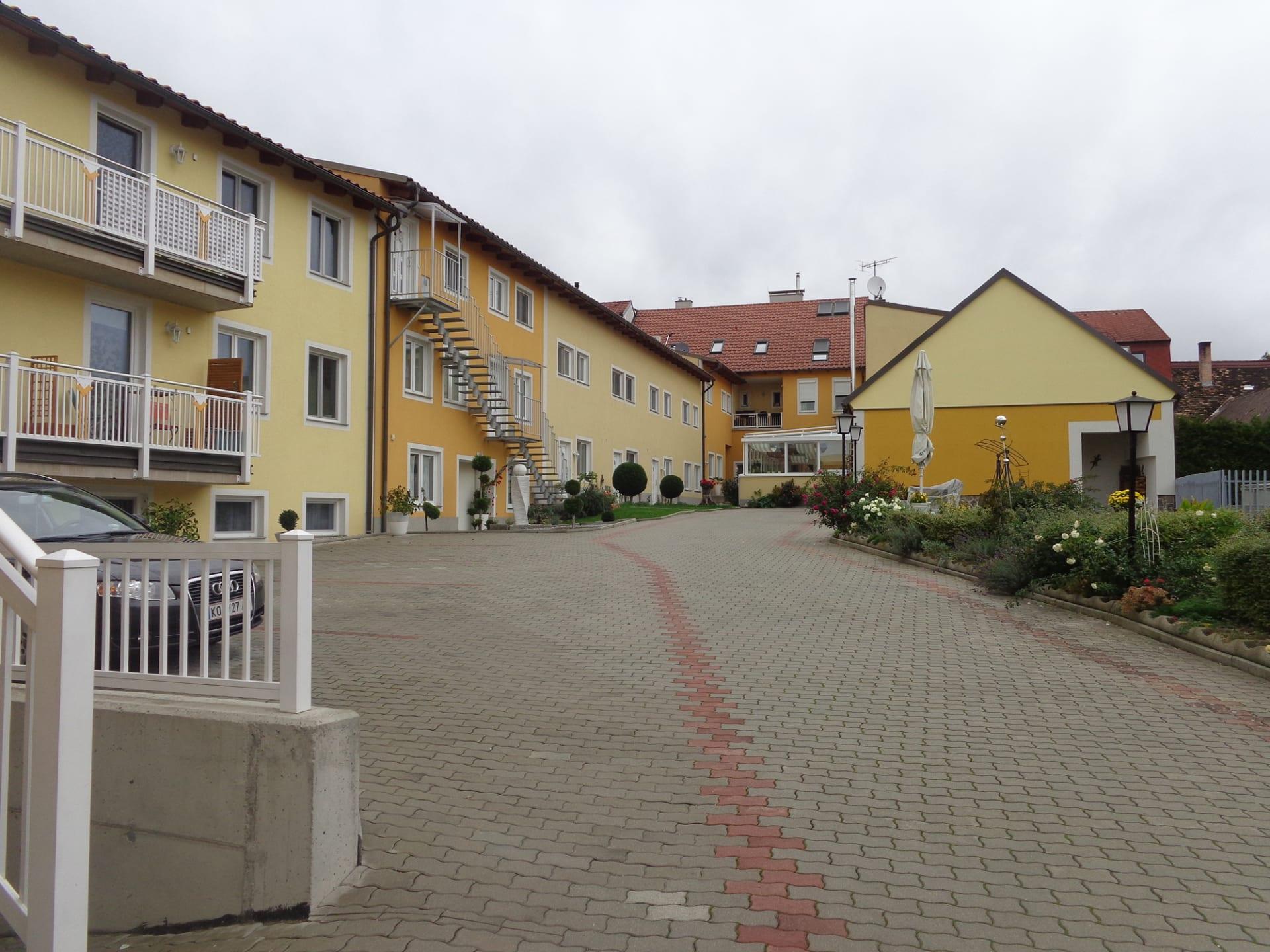 Hausansicht (Foto: Privatzimmer Enzersdorfer)