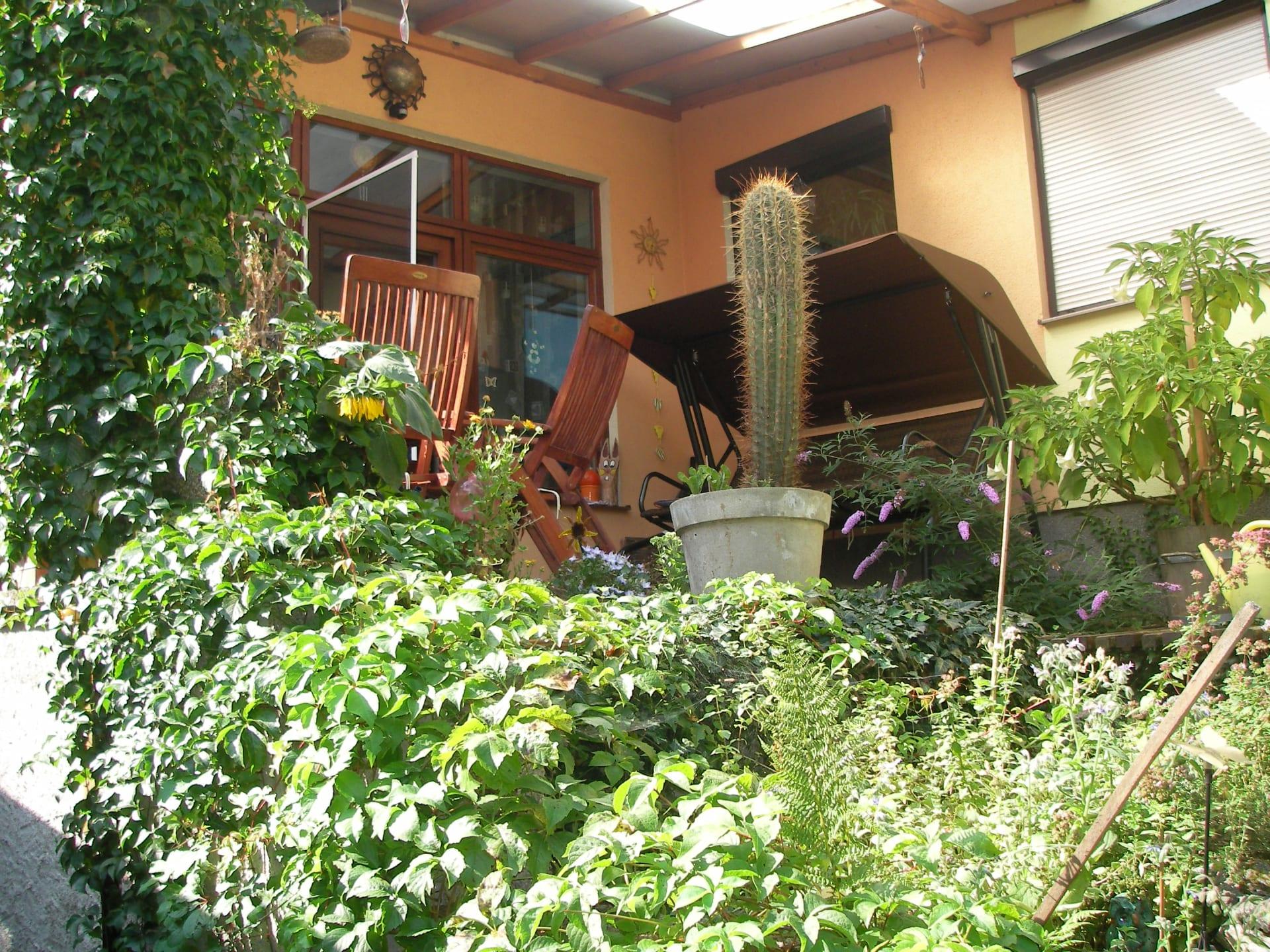 Blick vom Innenhof auf unsere Terrasse