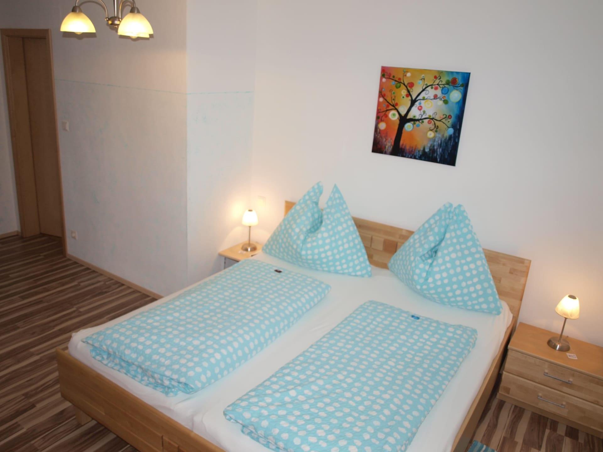 Doppel-/3-Bett-Zimmer