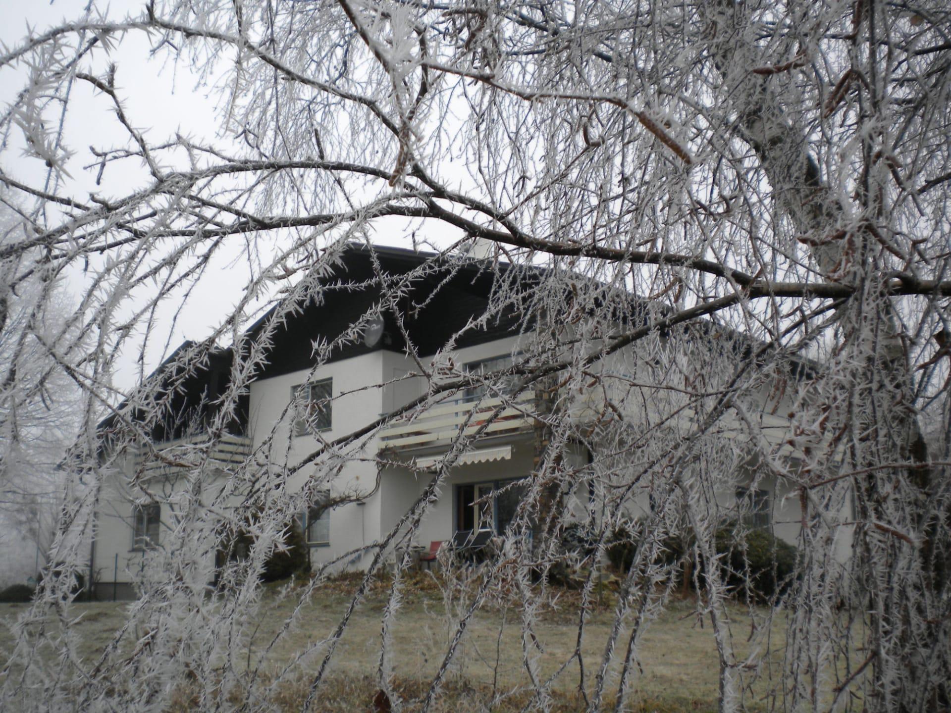 Gästezimmer Weiß - Haus im Winter