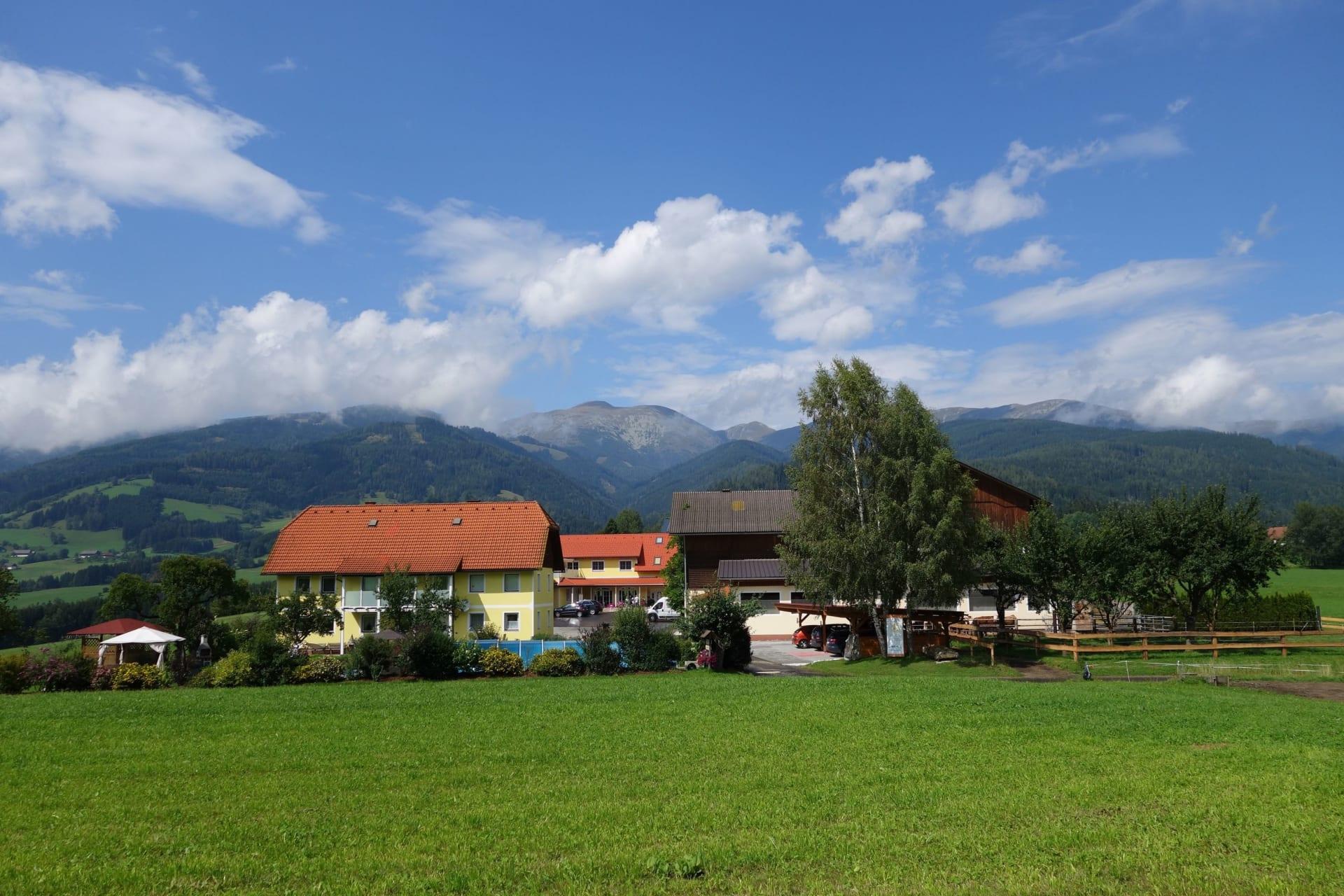 Hacknerhof im Sommer