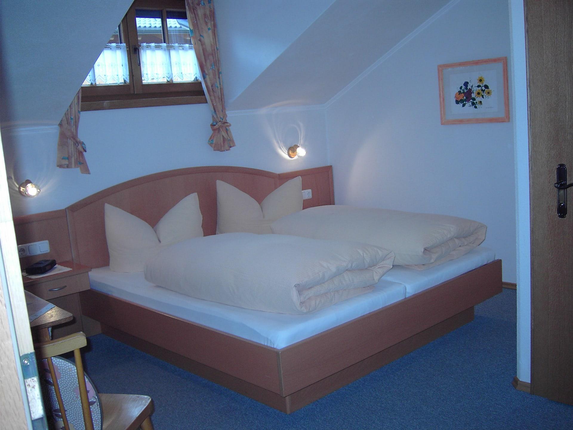 Zimmer West