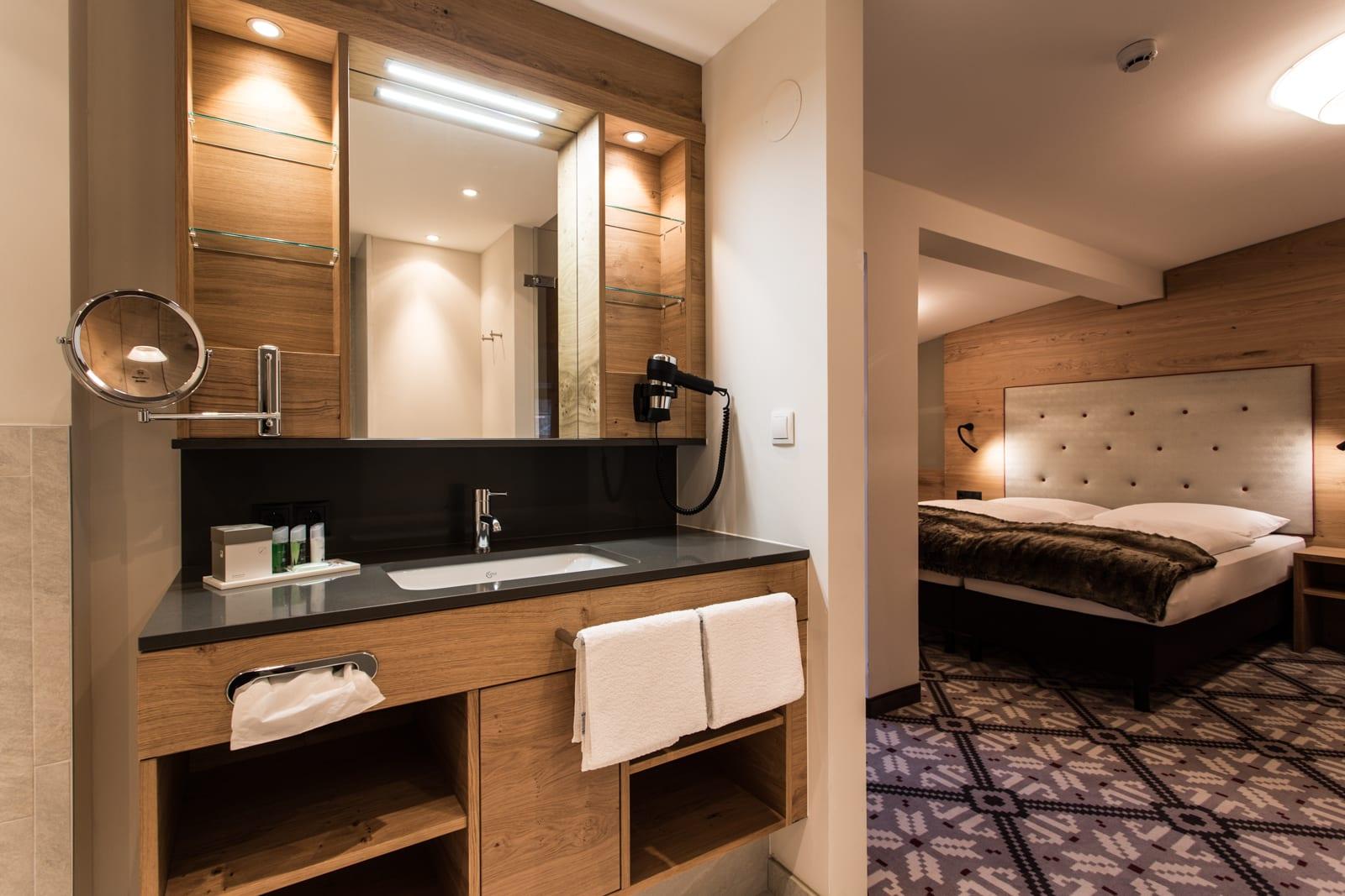 Designer zimmer im apartmenthaus valentin in s lden for Design hotel valentin solden