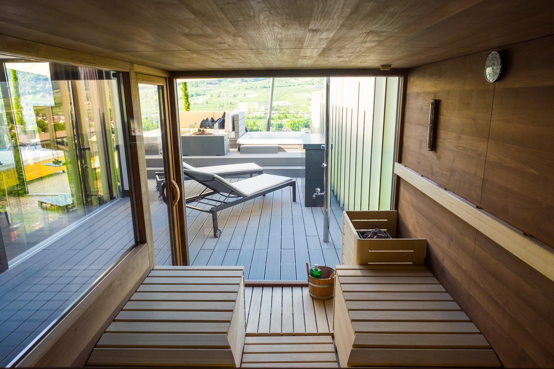 Penthouse Suite DolceVita Premium Finnish exterior sauna
