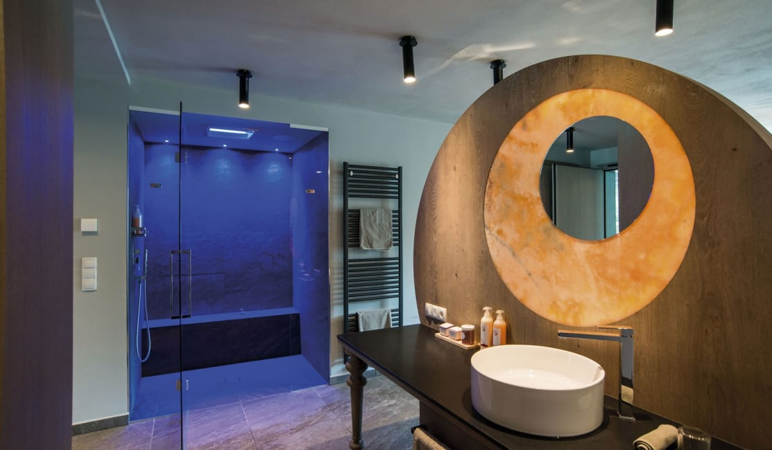 Bathroom Luxury Penthouse Suite DolceVita