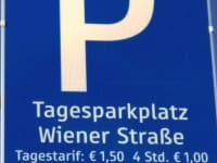 Tagesparkplatz in 5 Gehminuten erreichbar  Gratis Parken vor dem Weinhaus von 16:00 - 8:00 Sonntag ganztägig kostenfrei
