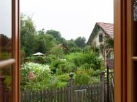 Sicht in den Kräutergarten