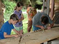 Holzwerkstatt- Wanderstockschnitzen