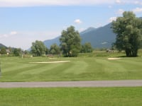 Golf course in Waidegg