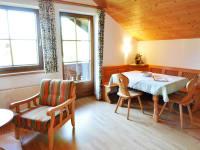 Wohnzimmer mit Kleinküche Lindenbaum