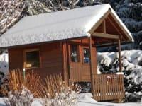 Spielhaus im Winter