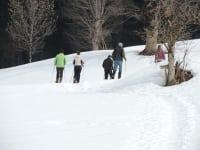 bauernhof-ober_mit-den-schneeschuhen-unterwegs