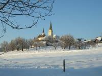 Kirche und unser Hof
