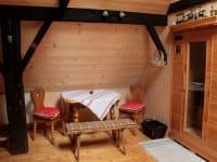 Aufenthaltsraum mir IR-Sauna