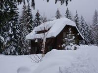 Schnee auf der Alm