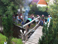 Lagerfeuer am Bach