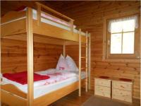 Schlafzimmer mit zwei Stockbetten