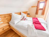 Zirbenholzschlafzimmer B