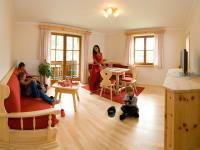 Zirben Appartement Wohnzimmer