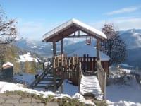 Stelzenhaus im Winter