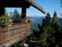 vom Balkon der Sonnalmhütte hat man eine herrliche Aussicht über die Berge