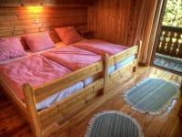 Eines der Schlafzimmer der Sonnalmhütte