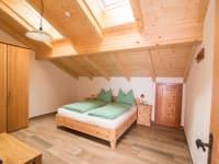 Schlafzimmer 2 (FeWo Enzian)