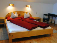 Gemütliche Betten aus Zirbenholz