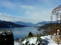 Terrasse im Winter mit Blick auf Millstätter See