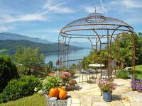 Pavillon mit Blick auf den See
