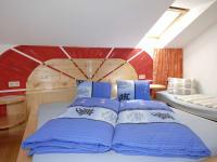 Unsere selbstgebauten Betten sorgen für ruhigen Schlaf und wohlige Nächte