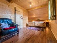 Schlafzimmer aus Holz