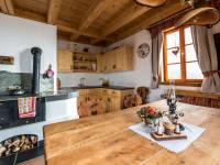 Ausreichend Platz zum Sitzen & Kochen