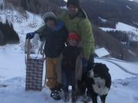 Wir sind  sehr familienfreundlich und auch unsere Hund KELLY fühlt sich hier in den Bergen sehr wohl.