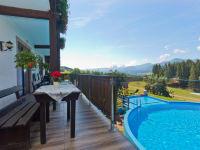 Terrasse mitPrivatschwimmbad