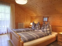 Zimmer mit Balkon/Oberstock