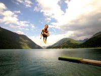 Sprungbrett am See