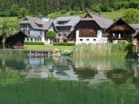Stampferhof vom See aus