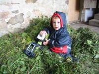 Spielen mit dem Traktor