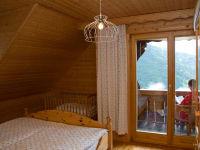 Schlafzimmer mit Balkon (Adlerhorst)