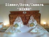 Zimmer Birne, neue Designerbetten aus Zirbenholz