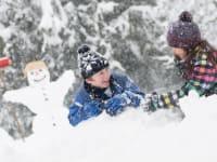 Kindervergnügen im Schnee