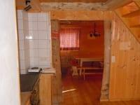 Küche mit Blick auf Stube