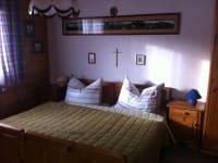 Schlafzimmer 2 Wohnung Bergblick