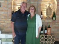 Leopold und Ann im Neu renovierten Weinkeller