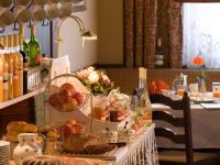 Frühstücksbuffet - mit regionalen und hausgemachten Produkten